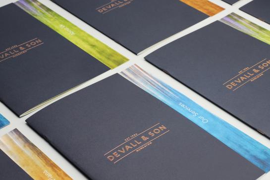 brochures_1112x741